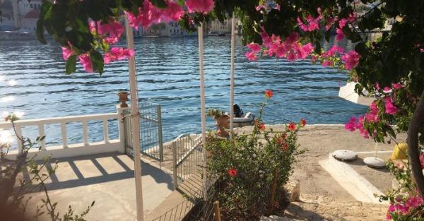 Εμβολιάστηκε το 100% των κατοίκων: Το πρώτο ελληνικό covid free νησί που θα γίνει ο νο1 προορισμός