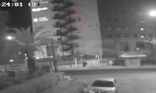 Βίντεο Καρέ ‑ καρέ η βουτιά θανάτου από τον 8ο όροφο κτιρίου στη Συγγρού